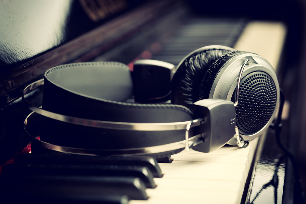 Where to find free music for your video content